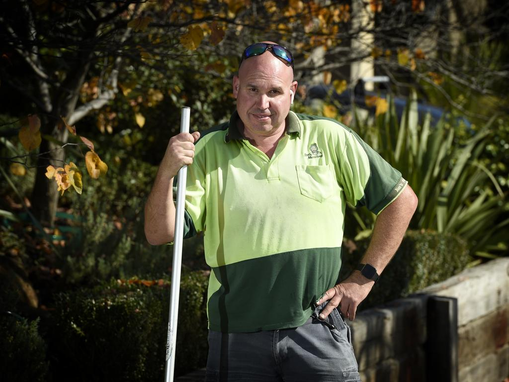 Jim's Mowing franchisee Steve Thompson is fighting the government at VCAT over last year's Covid-19 lockdown. Picture: Andrew Henshaw / NCA NewsWire