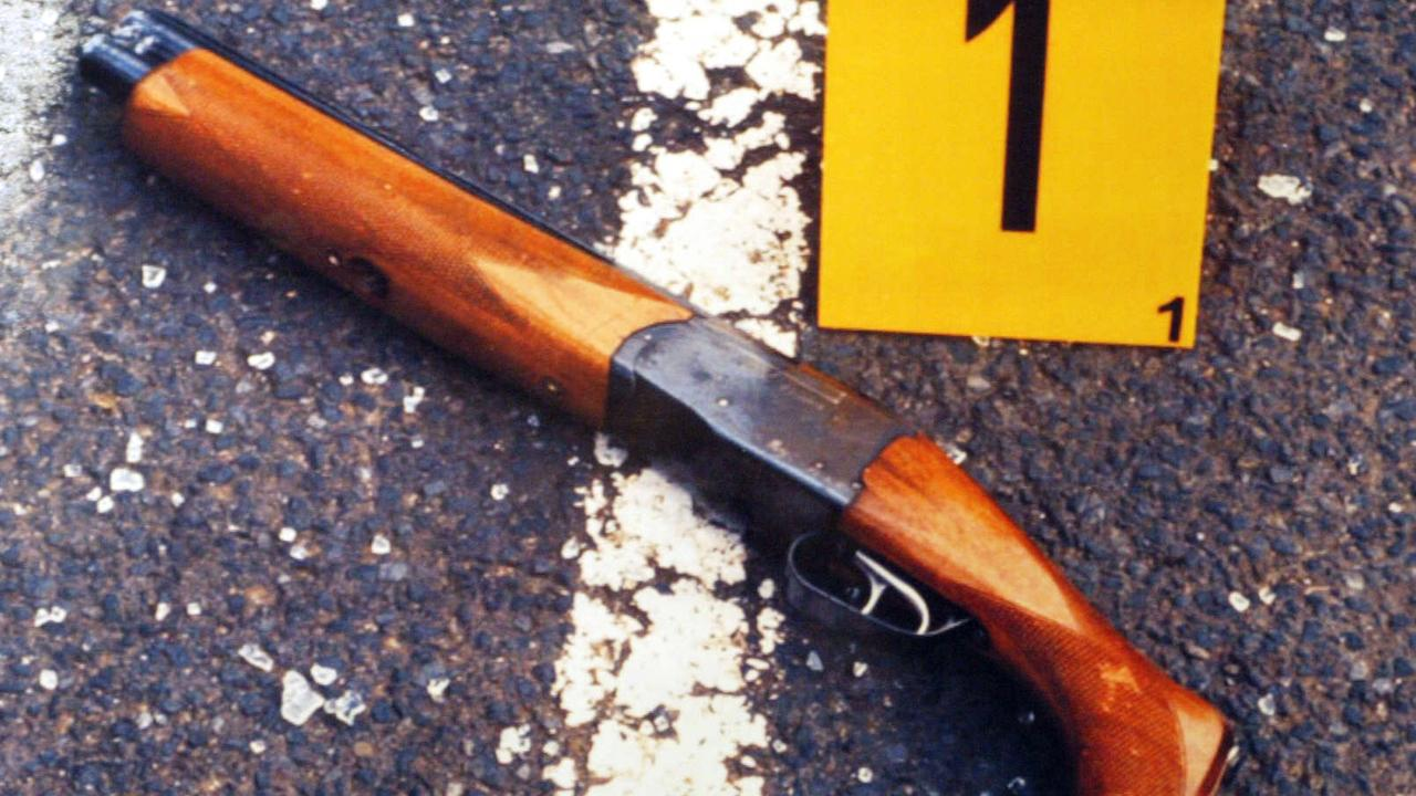 The sawn-off shotgun used to kill Jason Moran and Pasquale Barbaro, was dropped alongside the van they died in.