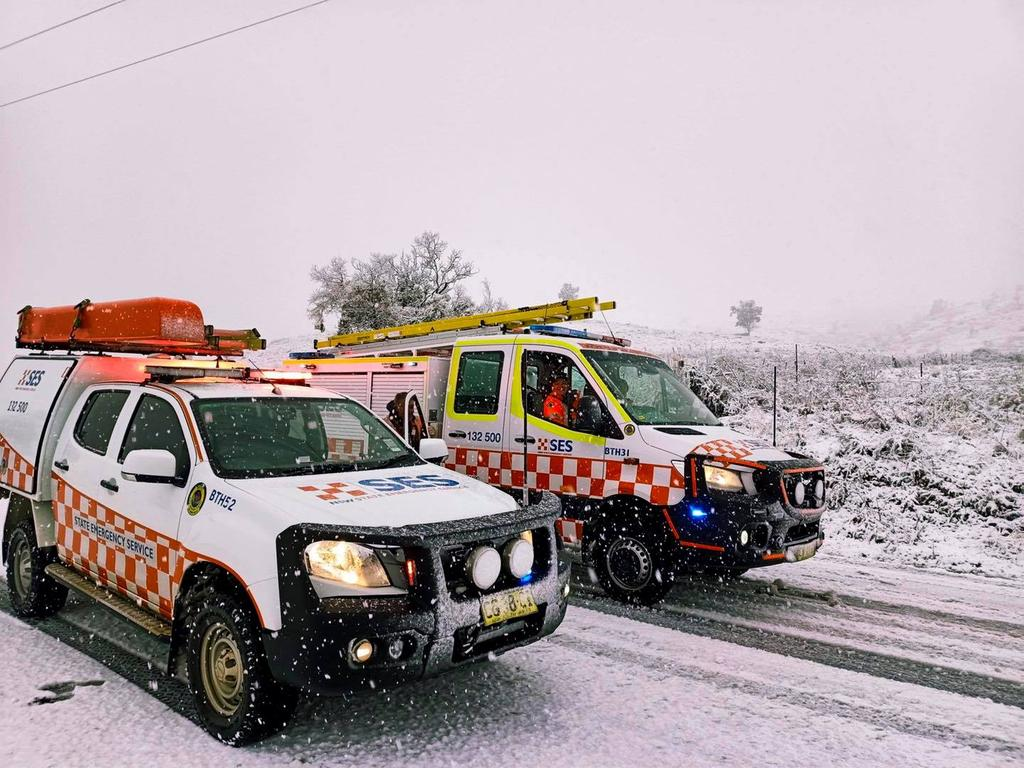 Snow is blanketing the area. Picture: NSW SES Bathurst Unit/Facebook