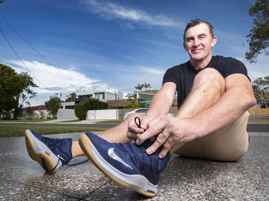 Former North Melbourne footballer Corey McKernan has walked a marathon a day for six days in support of Melburnians in lockdown.