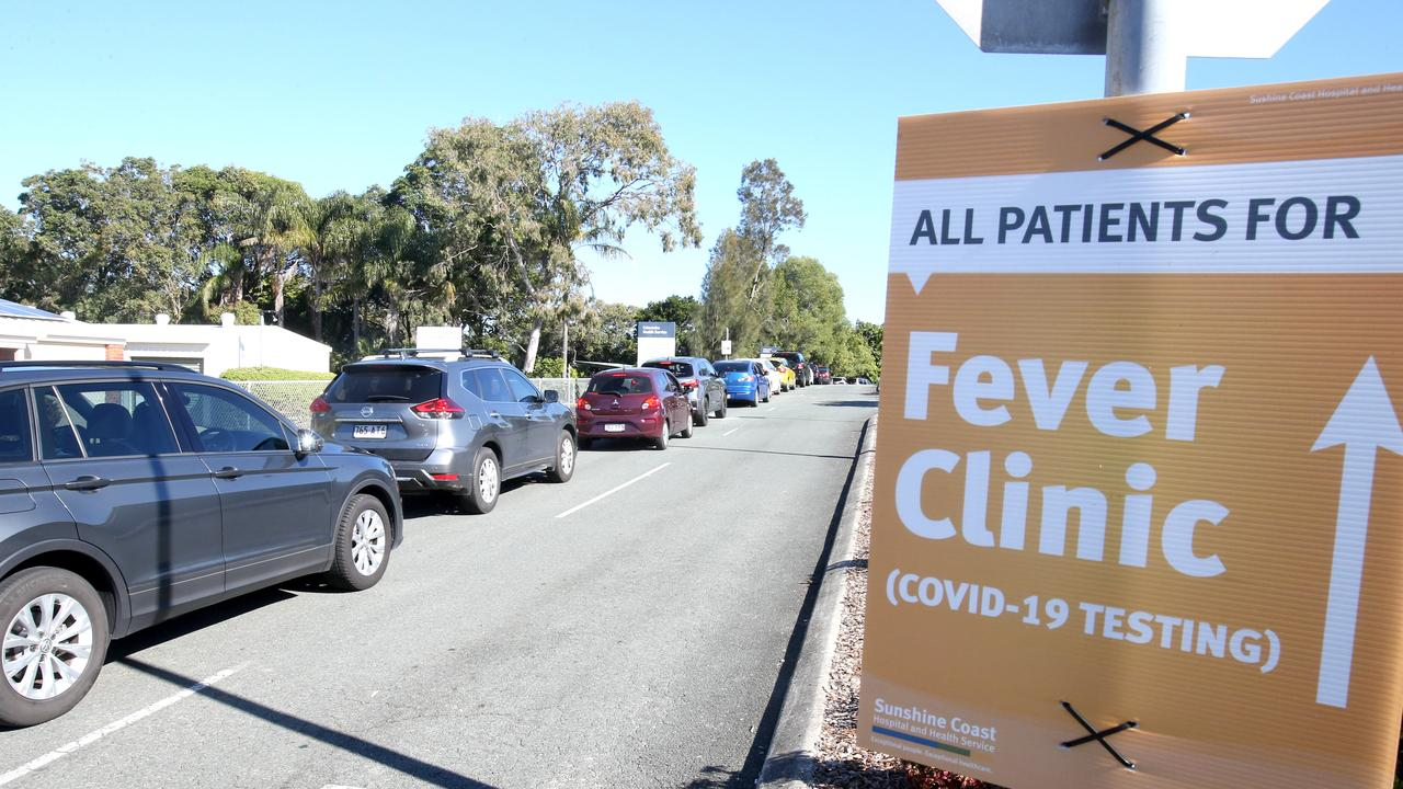 People in cars queue for Covid-19 testing at Caloundra Hospital, after two Covid positive people from Melbourne crossed the Queensland border at Goondiwindi and drove to the Sunshine Coast. Photo: Steve Pohlner.