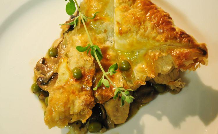 Robs best Chicken, Mushroom, Beer and Marjoram Winter Pie