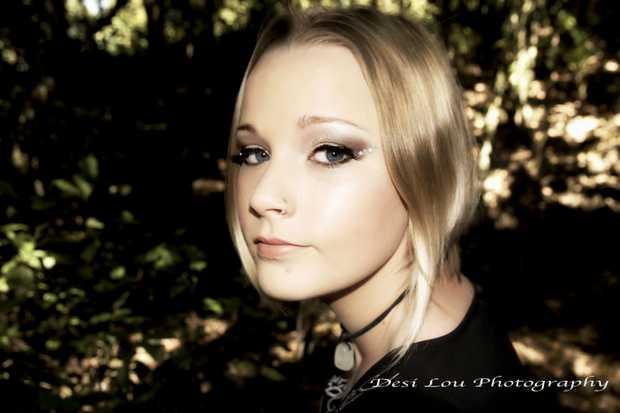 North Coast Model Natasha Jayne - photographed by Desi Lou Photography