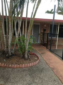 3 Bedroom villa in quiet cul-de-sac location. Large living/dining area with reverse cylcle air condi...
