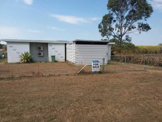 This property is well located just minutes to Sarina on a good sized 1012sqm (quarter acre) allotment.