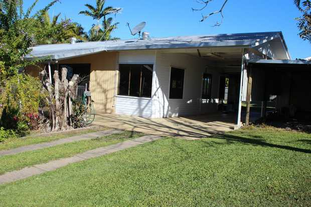 This property is sitting on a huge 1204m2 block fully fenced with dual side access. With 2 good sided...