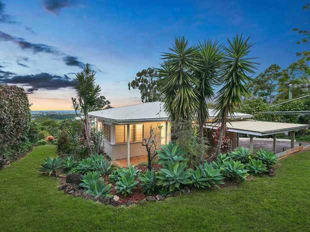 Amber Werchon Property presents to the market 5 Griffith Lane, Buderim. This property offers an amazing...