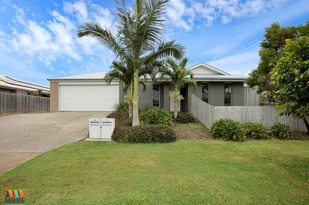Perfectly positioned in popular Ooralea you will find this great elevated air-conditioned property. ...