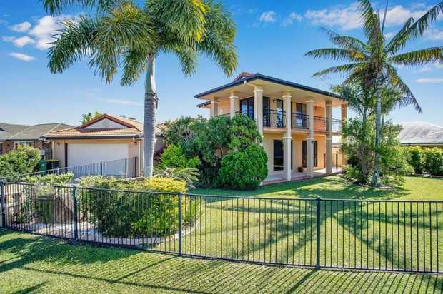 This executive living home can be found nestled in one of Mackay's most sought-after, dress circle...