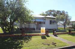 Lowset 4 bedroom home centrally located. Close to schools, sporting facilities, hospitals and shopp...