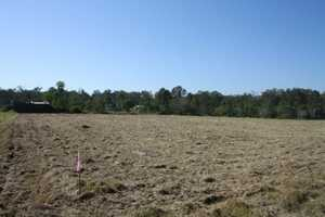LOTS FOR SALE (sizes approximate) 1.7 ha Allotment 4047m2 Allotment 5686m2 Allotment  Situated...