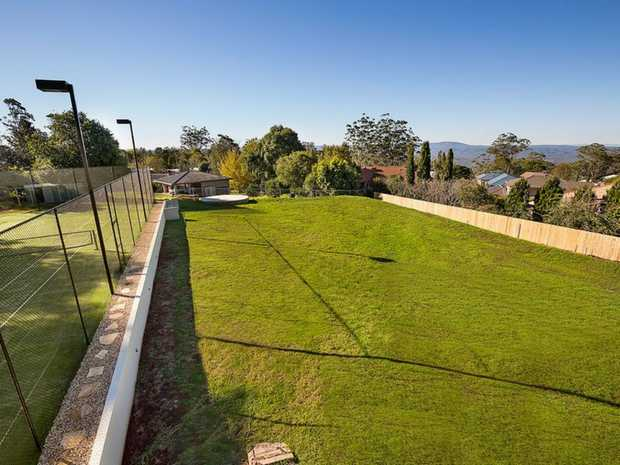 This stunning block of land is back to the market and demands attention from serious lifestyle buyers.