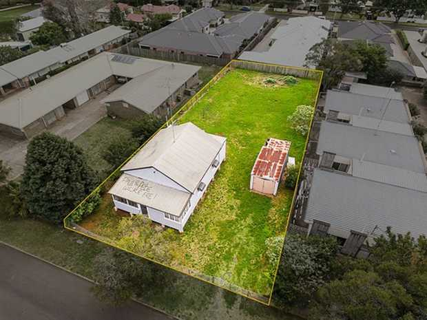 Renovate or redevelop, either way don't miss out on what could be the best value buy in East Toowoomba...
