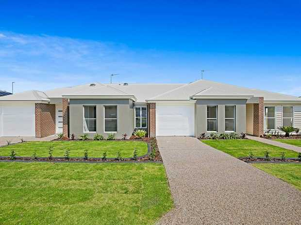 With a brilliant location, high quality finishes throughout and generous in size, this stunning South...