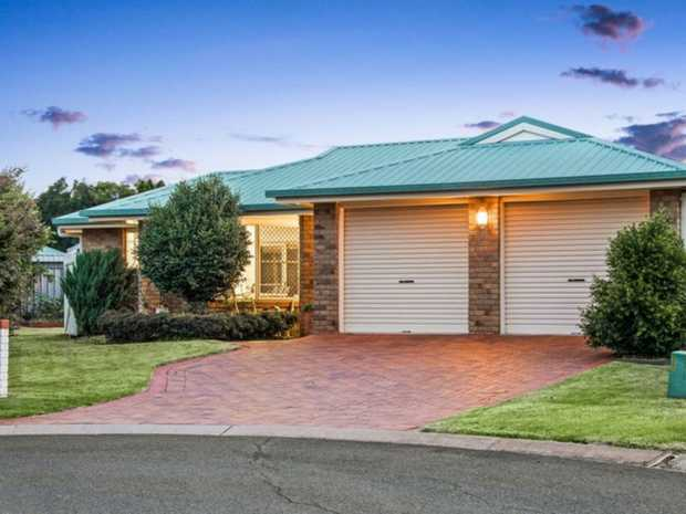 This beautiful home is set within the highly sought after suburb of Middle Ridge within walking...