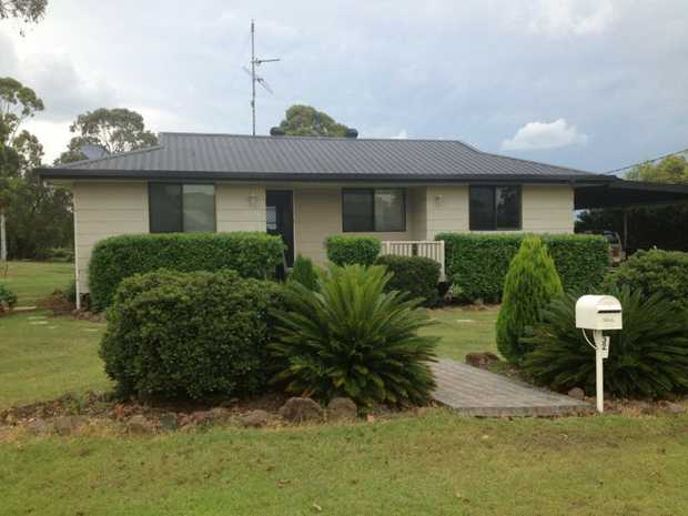 Located just 20 minutes from Wilsonton Shopping Centre and 40 minutes to Toowoomba CBD, escape the city...