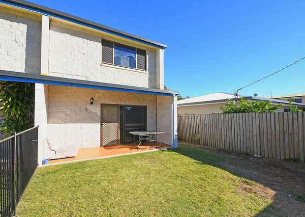 Representing excellent value, this unit offers convenience and location, being situated less than 450m...