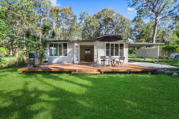 This gorgeous two bedroom home is positioned 13klm from Tewantin CBD and offers a peaceful acreage...