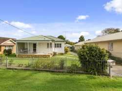 Neat & Tidy Home Ready To Move In, Plus Redevelopment Potential.  769 Metre Block with Large Backy...