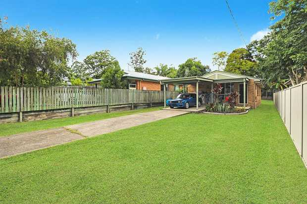 Invest in your very own slice of the delightful township of Mooloolah...just footsteps to town and...