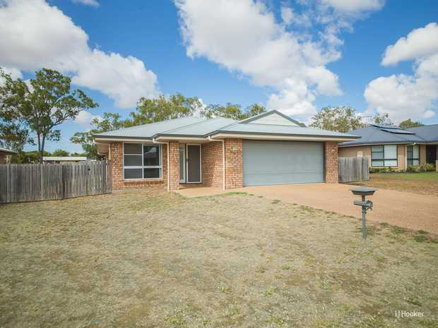 This popular style family home in Gracemere is ready and waiting for you.  Within walking distance to...