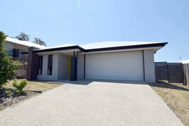 :: Impressive home in Riverstone Rise with NBN facilities :: Fully air conditioned to every bedroom and...
