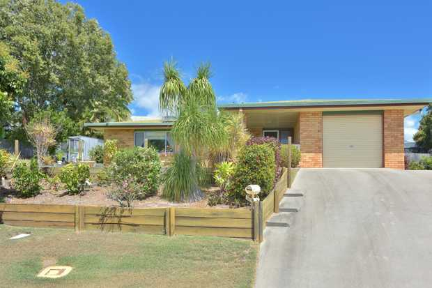 You'll be hard pressed to find better value in this highly sought after area of Telina. This very...