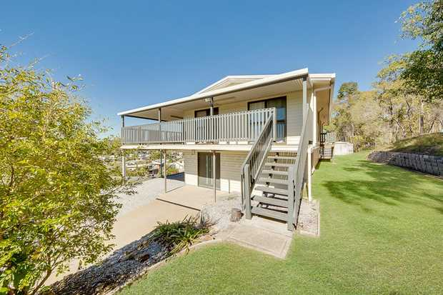 This fantastic dual living 5 bedroom home plus study is totally amazing! The home is situated at the...