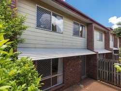 This 3 Bedroom Townhouse provides the added benefit of increased peace & privacy and a much larger t...