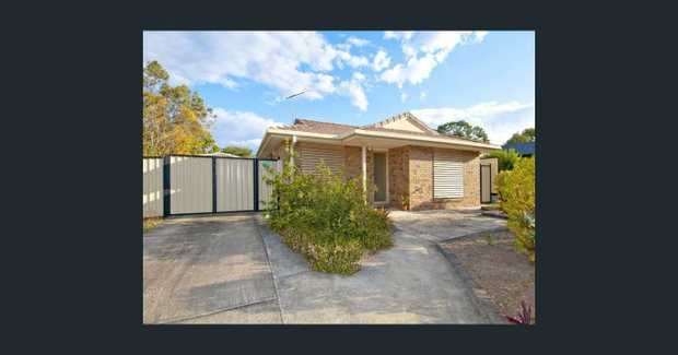 This family home is waiting for you! Situated in the friendly suburb of Crestmead within walking...