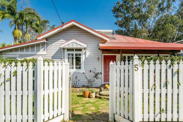 * Appealing Timber Home with all those important features * Huge level 3,389sqm of land with dog proof...