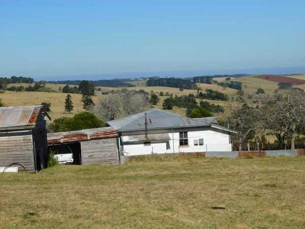 R541 - 145 acres of excellent cattle grazing country situated in the hills above killarney. Currently...