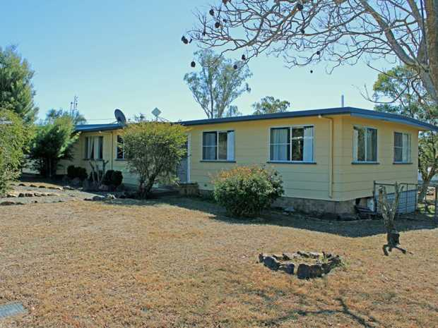 Situated in the highly sought after area of Rosenthal Heights, on 4.09 ha or 10.1 acres this property...