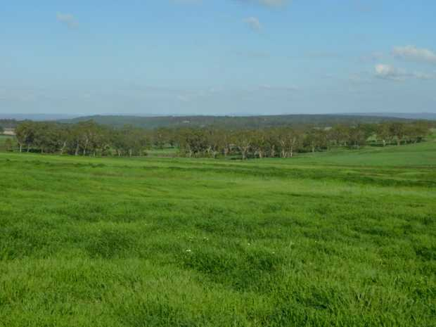 Sitting only 8km to the North of Warwick you will find this 130 acre lifestyle block that has to the...