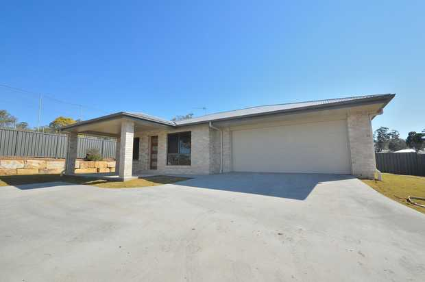 RENTAL - Available 03/06/2020 ... 7 Coe Street ... $325 per week. Great family home with natural light...
