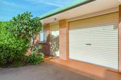 Location perfect backing onto Toowoomba Base Hospital is Apollo Lodge. This is the pick of the compl...