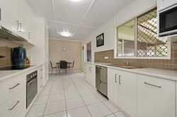 Conveniently located in the middle of the CBD & the industrial precinct of Toowoomba all whilst be w...