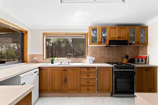 Are you searching for an Acreage property within 15 mins from Toowoomba City? If so you must inspect...