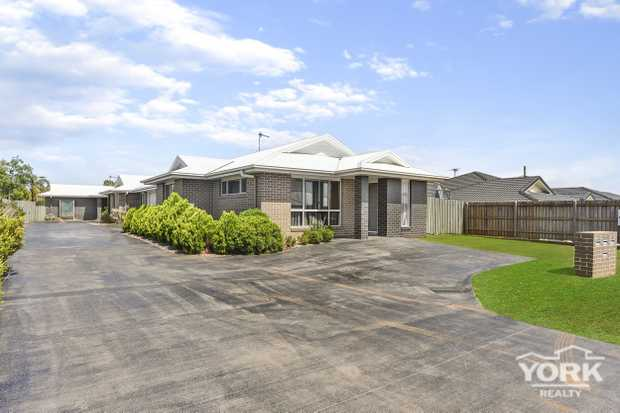 If you are looking for your next investment opportunity then look no further.  All 3 units are fitted...