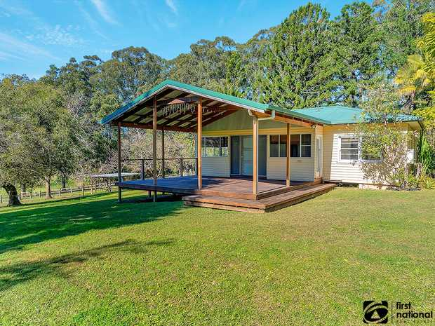 Located in the semi-rural area of Bonville, less than a ten minute drive from the popular beachside...