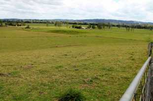 Build your dream home on this  gentle sloping 5 acre block only 5 minutes to Kyogle township.