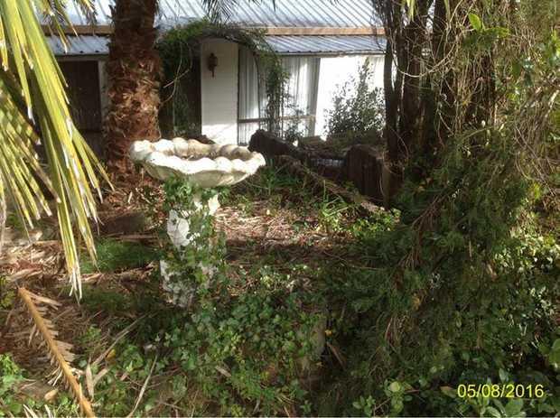Large family home in quiet street * 4 Bedrooms - main with en-suite * Open plan...