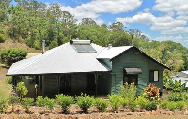This 2 bedroom character home has been renovated retaining original features and modern features  *...