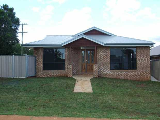 :: No pets are permitted. :: Property ID - 1172219  This lowset brick home, comprises of 4 built-in...