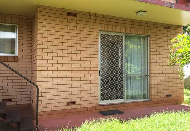 Situated in the heart of Toowoomba City, within walking distance to all amenities is this neat and tidy...