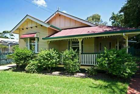 This beautifully presented character home located in the heart of Toowoomba is minutes away from major...