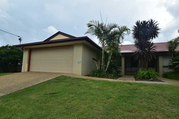 This lowset rendered strata titled unit is located in Hogg Street overlooking government treed land....