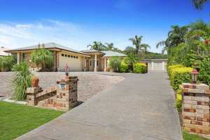 The Ultimate In Family Living On 1,500m2 Block + Shed + Pool!!