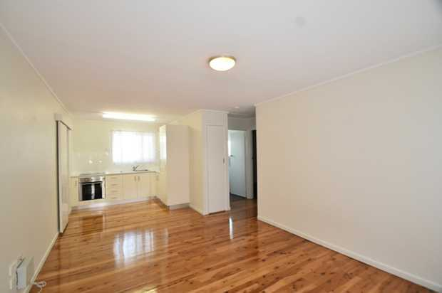 This freshly renovated and light-filled 2 bedroom unit, is perfectly positioned just a short stroll...