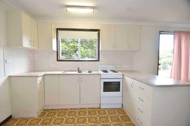 What a location! Within walking distance to Toowoomba Kmart Plaza, The Ridge Shopping Centre, Aldi,...